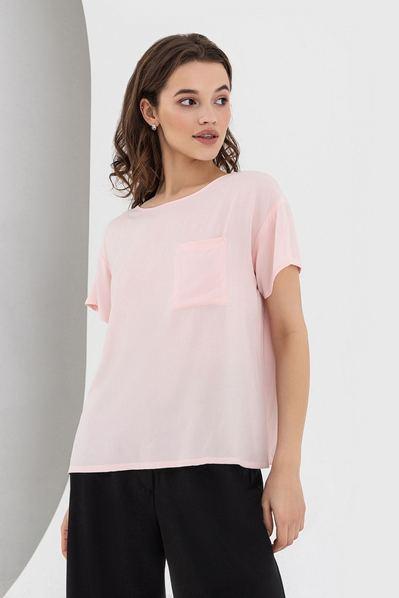 Розовая футболка с карманом штапельная