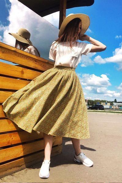 Льняная юбка миди мелкоцвет на горчичном