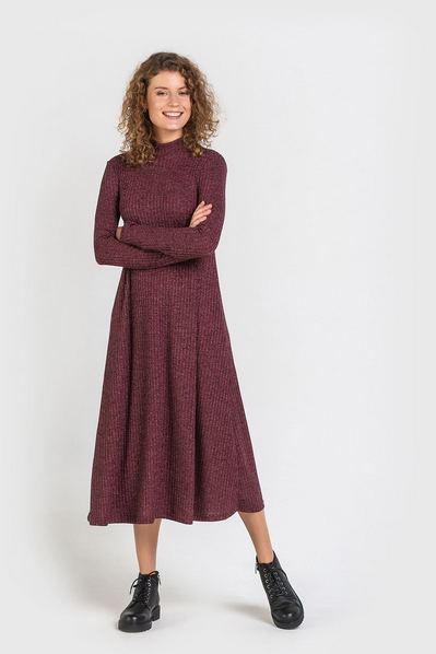 Бордовое платье колокольчик с люрексом