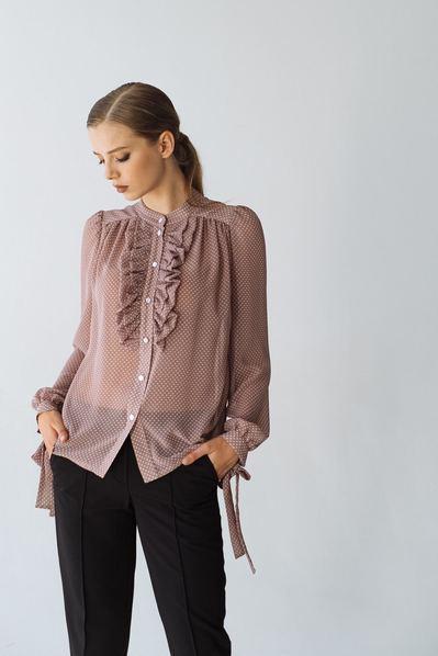 Блуза с оборками белый горох на фрезовом