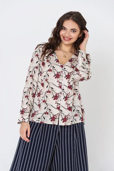 Женская блузка приталенная с принтом бордовые цветы на молочном фоне большой размер