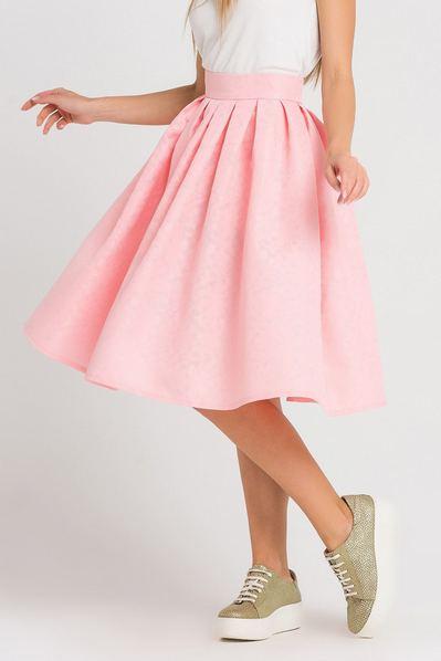 Розовая юбка со складками из фактурного жаккарда в цветы