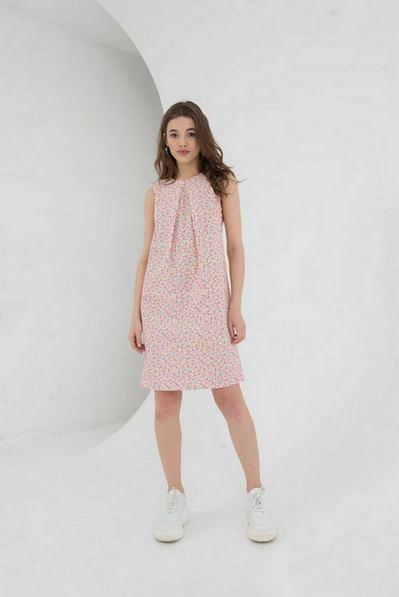 Платье в мелкоцвет на ванильном