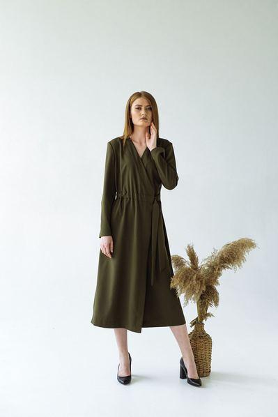 Платье на запах с разрезами оливкового цвета