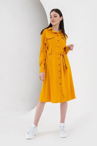 Горчичное платье-рубашка с поясом до колен плотный штапель
