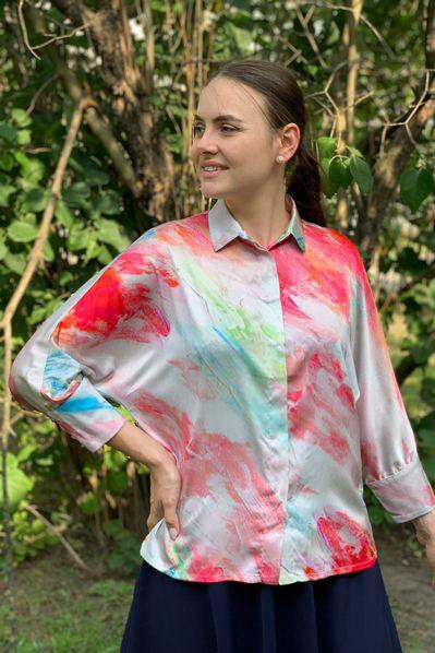Блузка кимоно красно-розовая акварель на молочном фоне