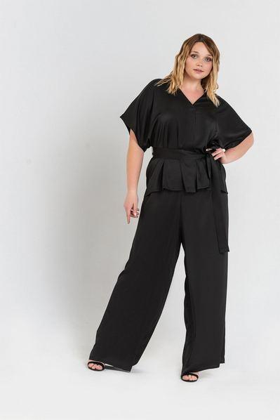 Черный костюм женский из блузы и брюк большой размер