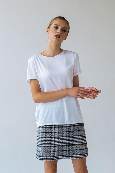 Женская футболка из искусственного шелка белая