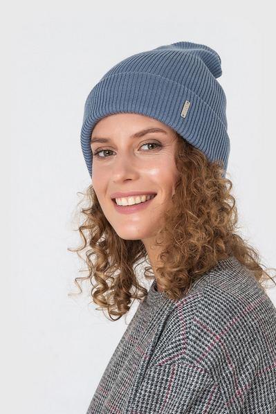 Вязаная шапка серая из коттона