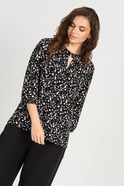 Черная блузка в белые веточки из софта большой размер