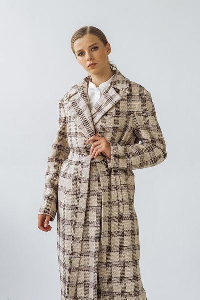 Женское пальто с запахом в песочно-молочную клетку