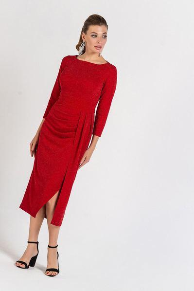 Красное платье миди с драпировкой на юбке