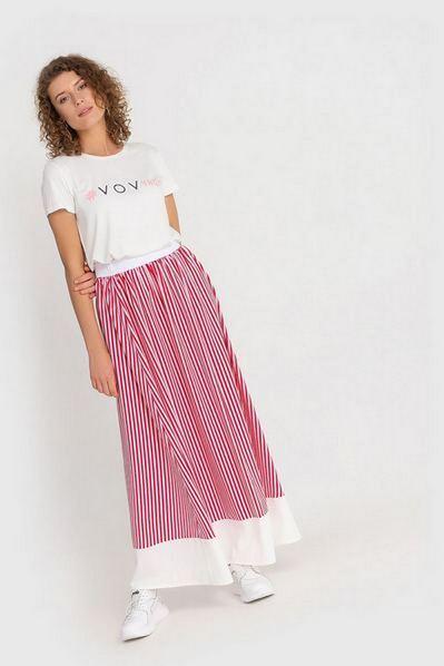Красная макси юбка на резинке в молочную строчку