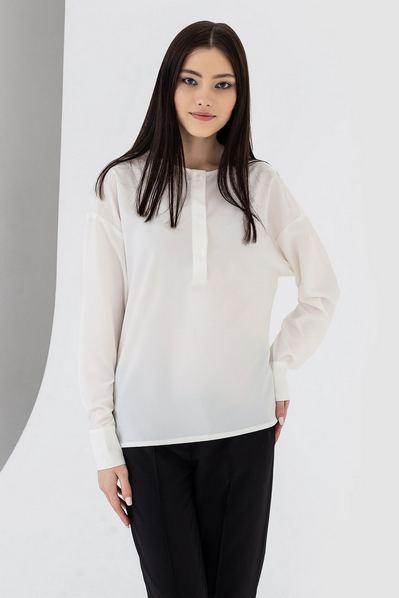Прямая блузка с манжетами и планкой молочная