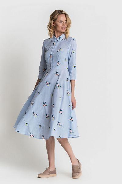 Платье рубашка в голубую полоску с вышитыми букетами