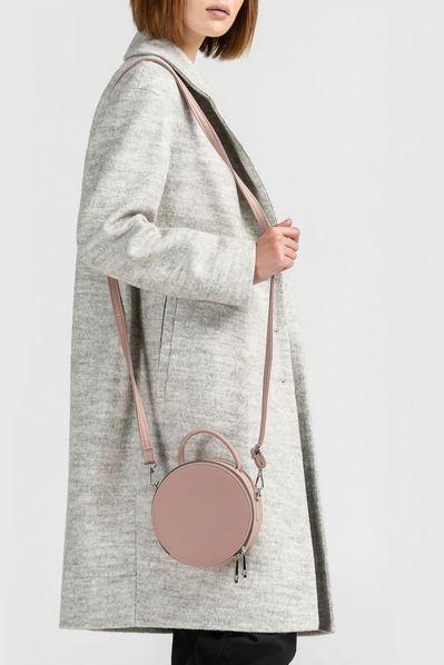 Круглая сумка объемная цвет пудра