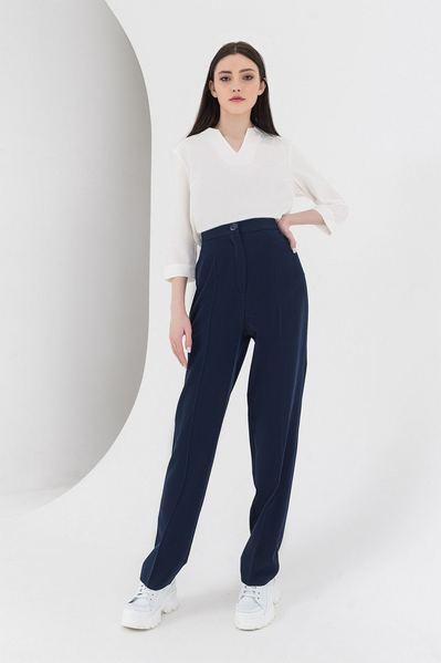 Темно-синие брюки прямые из костюмной ткани