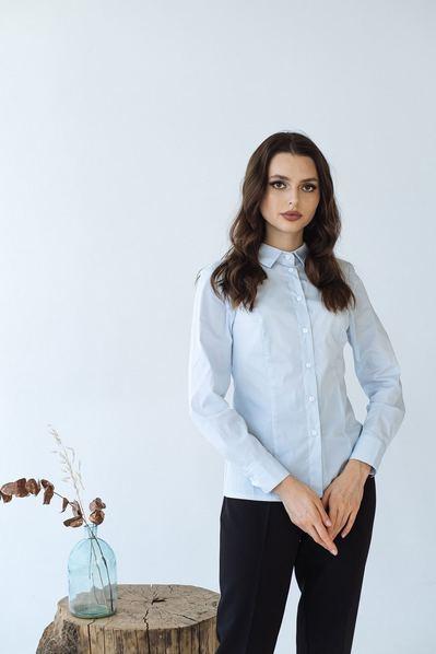 Женская приталенная блузка небесного цвета