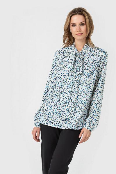 Молочная блузка с кокеткой принт синие листья