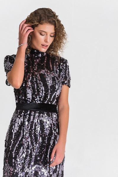Вечернее платье в пайетки на черной сетке