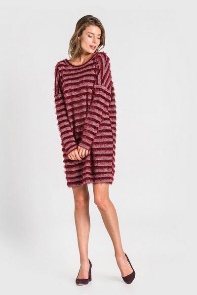 Бордовое платье с открытой спиной из ворсистого трикотажа