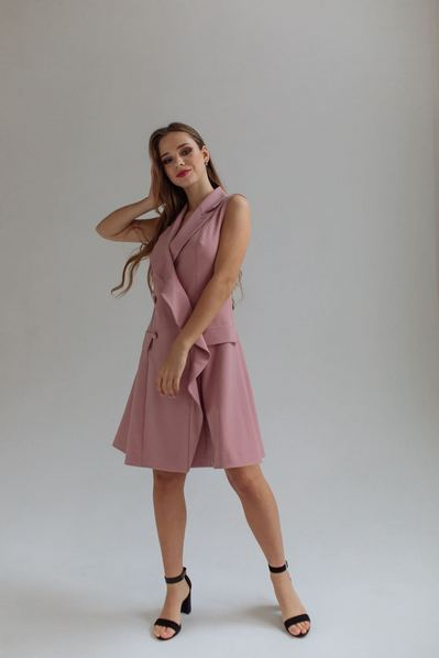 Вечернее платье-жакет с открытыми руками фрезовое