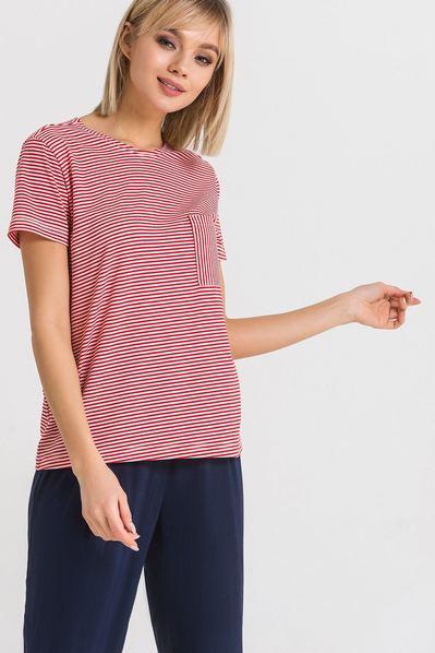 Красная трикотажная футболка с карманом в белую полоску