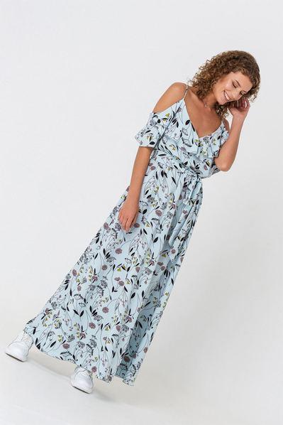 Длинное платье с воланами на рукавах цветы на небесном