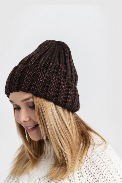 Вязаная шапка с люрексом шоколадная