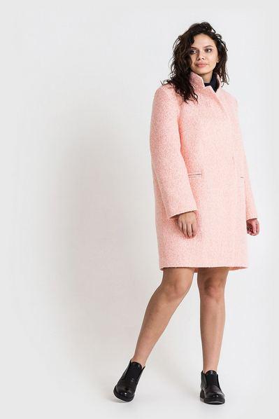 Женское пальто зимнее шерсть букле молочно-розовое большой размер
