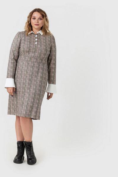 Замшевое платье с воротником в травяную клетку на песочном большой размер