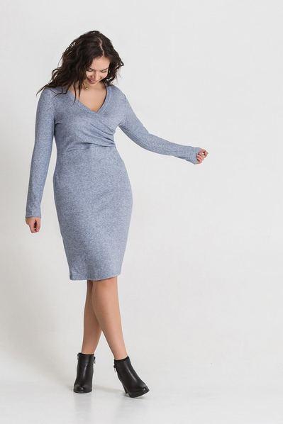 Трикотажное платье из ангоры приталенное светло-лавандовое большой размер
