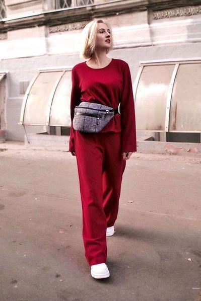 Повседневный костюм бордо топ и брюки с люрексом