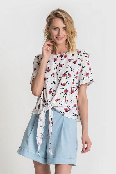 Блуза с завязкой из штапеля принт цветы на молочном
