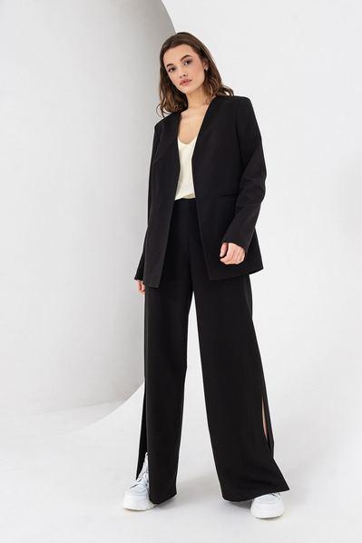 Черный жакет без ворота из костюмной ткани