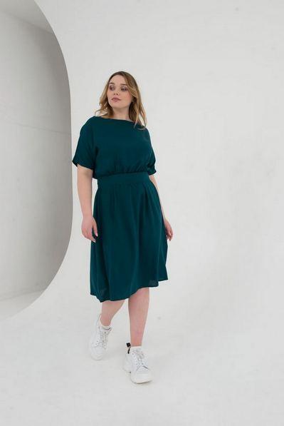 Миди платье штапель с поясом на изумрудном большой размер