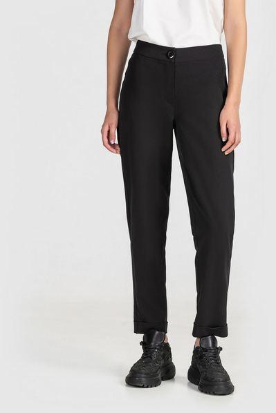 Черные брюки женские зауженные