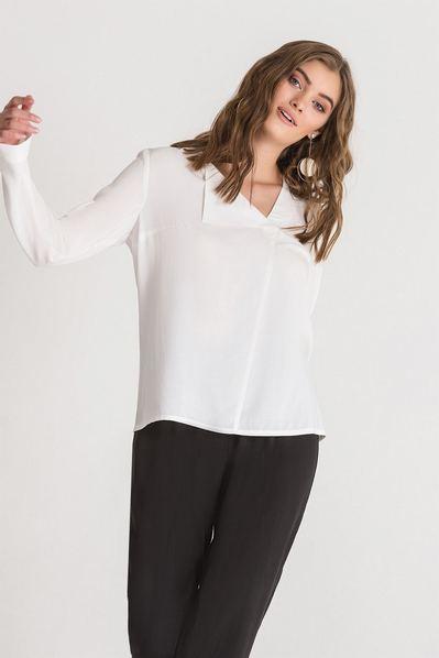 Штапельная блузка с отворотом молочная