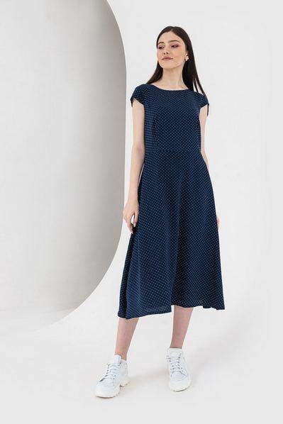 Синее платье миди в молочный горох