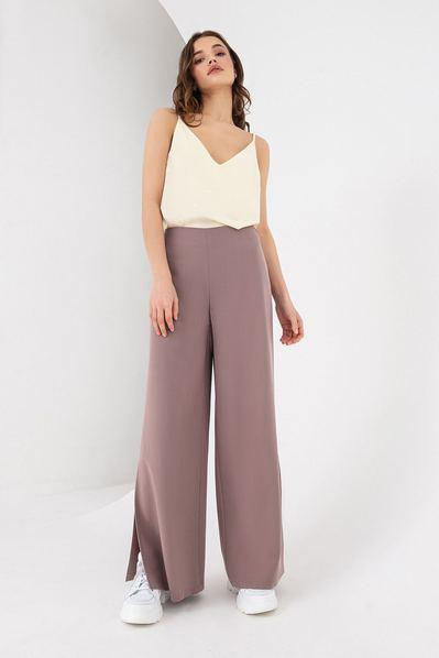 Женские брюки с разрезами цвета латте