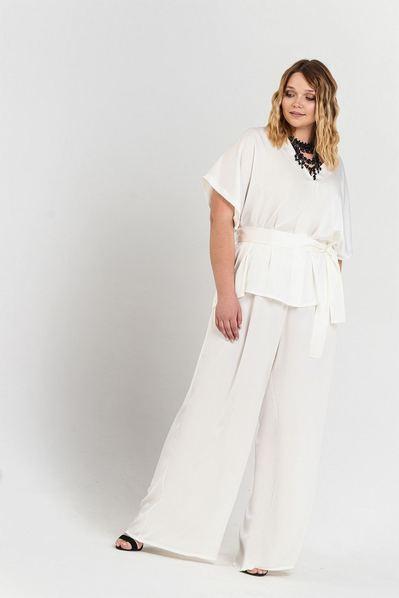 Вечерний костюм женский брюки и блузка молочного цвета большой размер