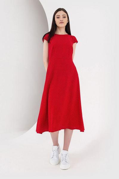 Красное платье миди в молочный горох