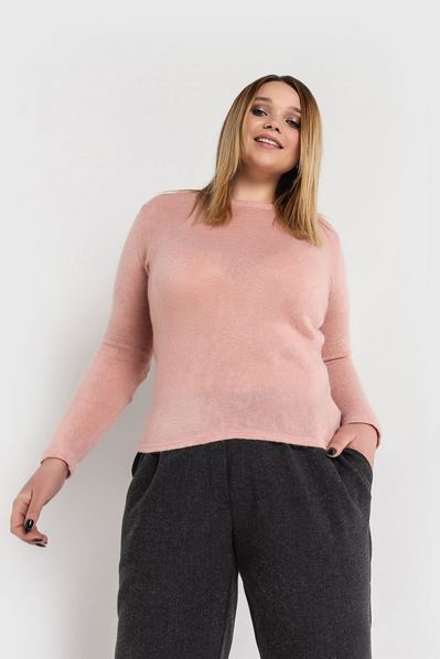 Женский свитер из ангоры пудровый большой размер