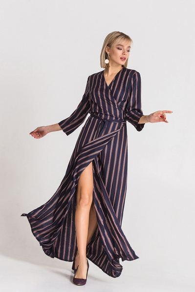 Фрезово-синее платье макси с запахом в полоску