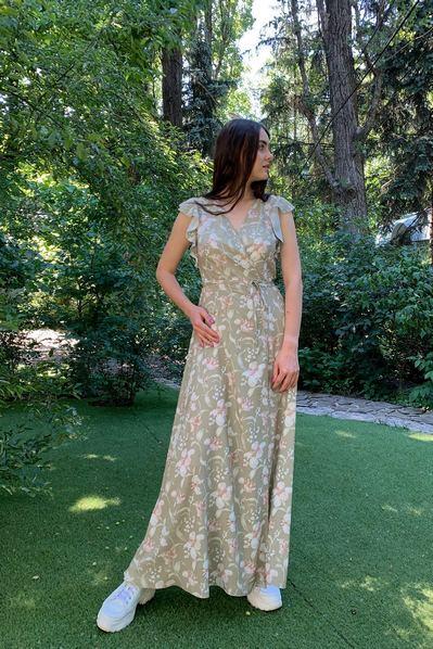 Длинное платье с воланами принт лилии цвета хаки
