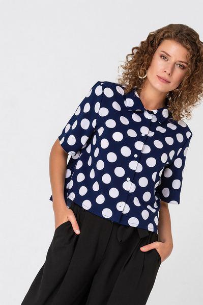 Темно-синяя блузка прямая в белый горох