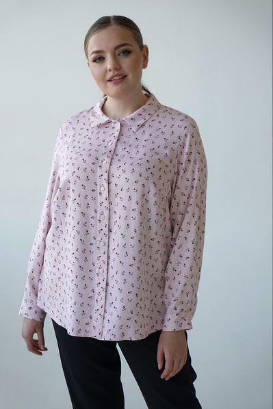 Женская прямая рубашка цветы на пудровом большой размер