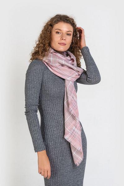 Розовый шарф двусторонняя клетка