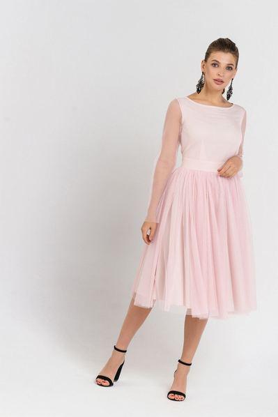 Розовое платье с пышной юбкой в сетку