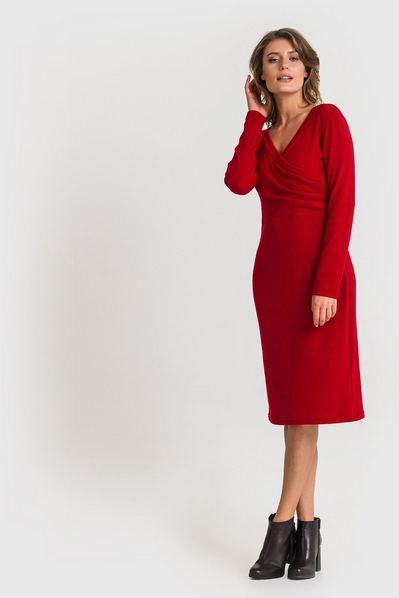 Трикотажное платье из ангоры приталенное ягодное
